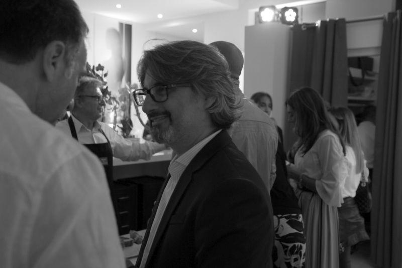 Foto Luigi Boschi: Antonio proprietario del Salone