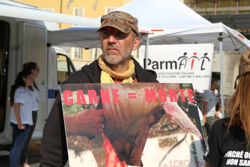 Foto Luigi Boschi: contestazione animalista a Parma - 03/09/2016