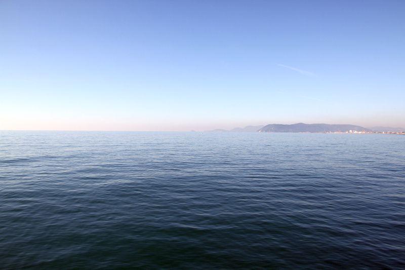 Foto Luigi Boschi: mare  di Marina di Massa a Dicembre 2016