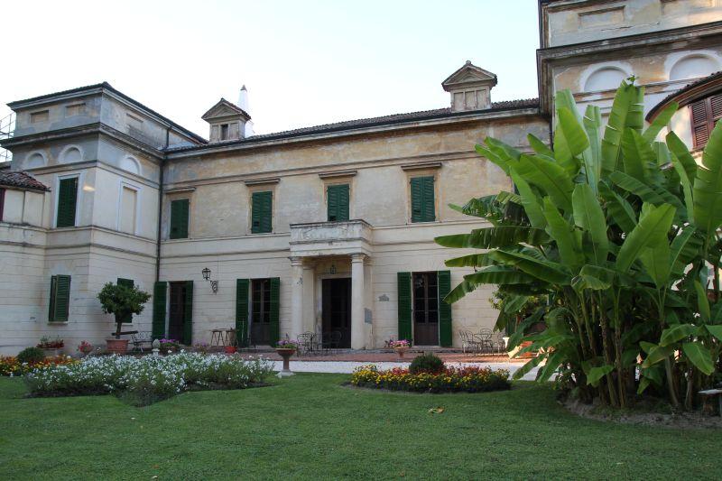 Foto Luigi Boschi: villa Longari Ponzone - Rivarolo Del Re