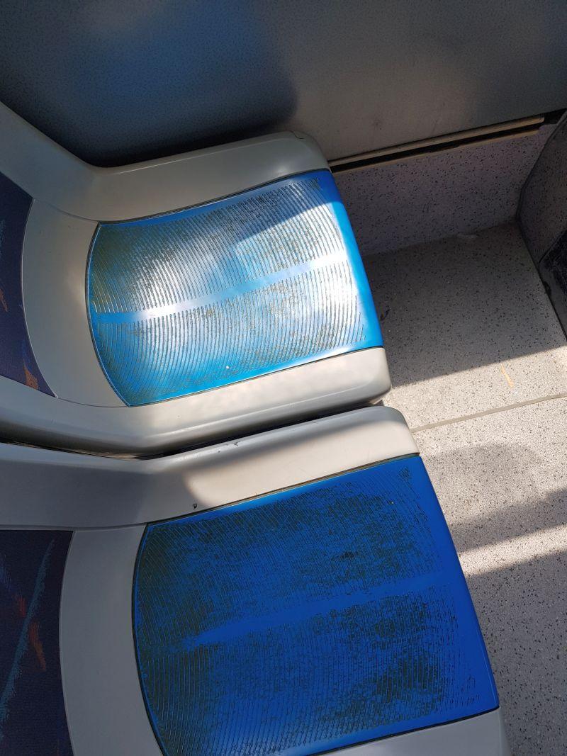 Luigi Boschi, foto dal Cellulare: sedili TEP ripresi nel 2018 sull'autobus n2393